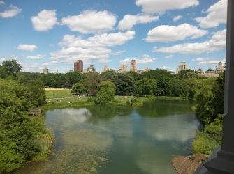 Central Park Globe n Roll